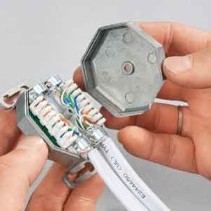 installation-of-internet-cable-and-internet-sockets-3